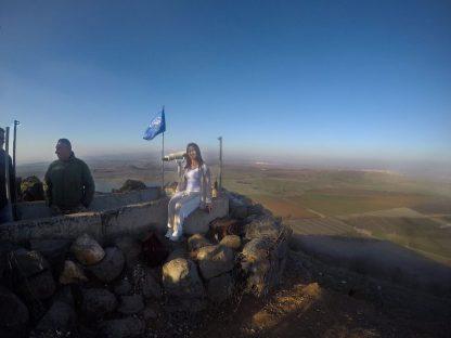 Parlamentaria Bruna Furlan en Colinas de Golã. Foto: Divulgação.
