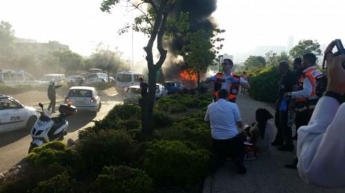 Jerusalem: Se incendia micro vacío y provoca heridas en al menos 16 personas de otro; investigan causas