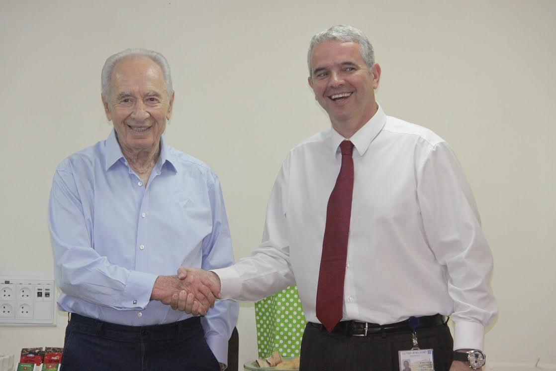 """Peres. Director de la Cancillería israelí: """"Un estadista con un acercamiento humano inusual para un político"""""""