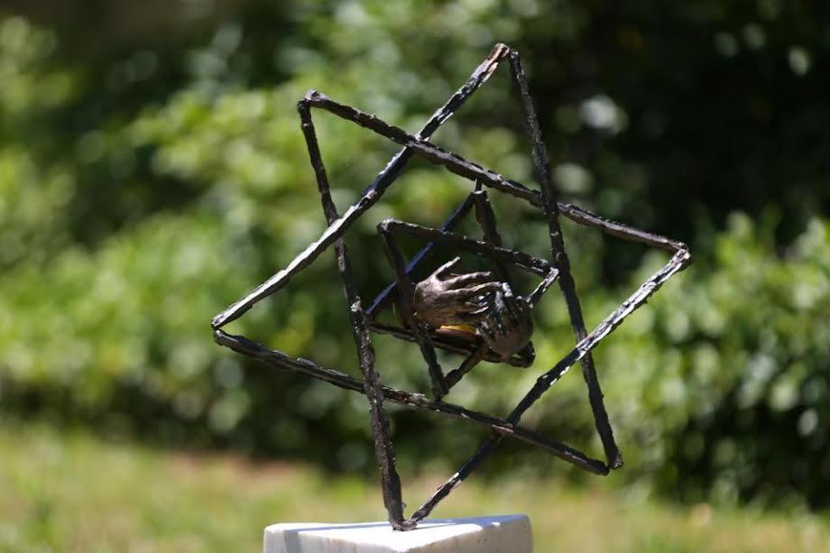 Antisemitismo: rompieron y robaron parte de un memorial del Holocausto en Massachusetts