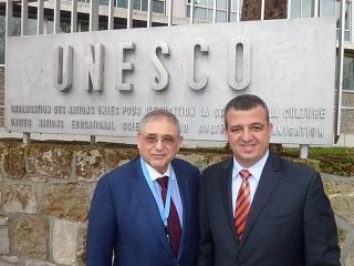 Shimon Samuels con el embajador israelí en la UNESCO, Carmel Shama Cohen