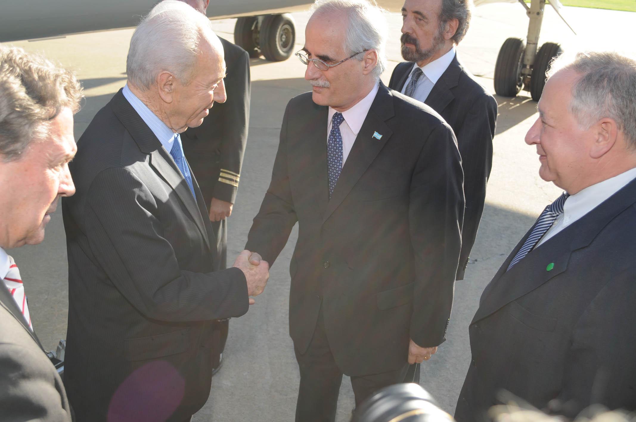 """Ex canciller Taiana: """"Peres fue un hombre comprometido y con una enorme vocación por la Paz"""""""