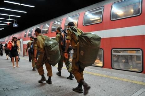 Israel. A partir de ahora, los soldados con permiso de vacaciones portarán armas