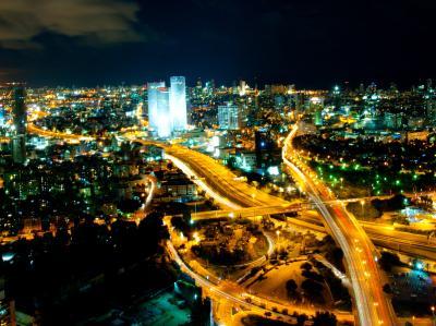 l_aviv_skyline_(night)_-_2