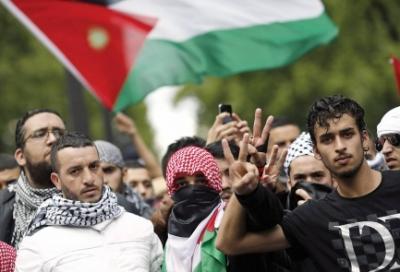 manifestantes_palestinos