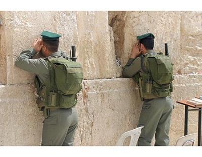 soldados_muro