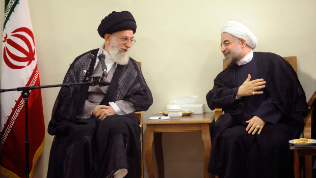 Irán: Abierto enfrentamiento dialéctico entre líder supremo y Presidente de cara a elecciones de mayo