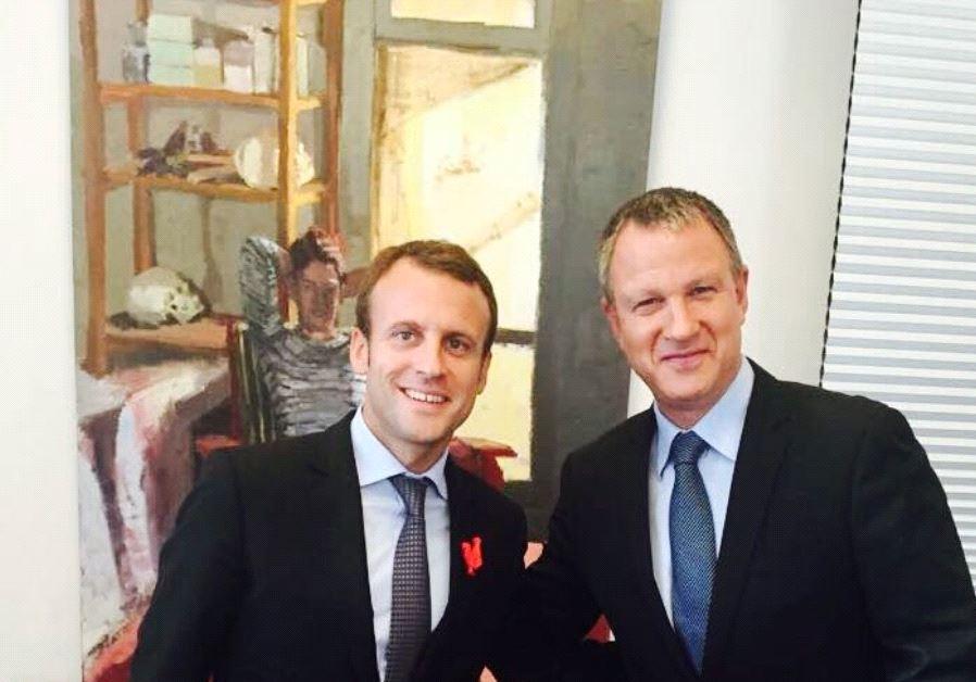 Macron y otro