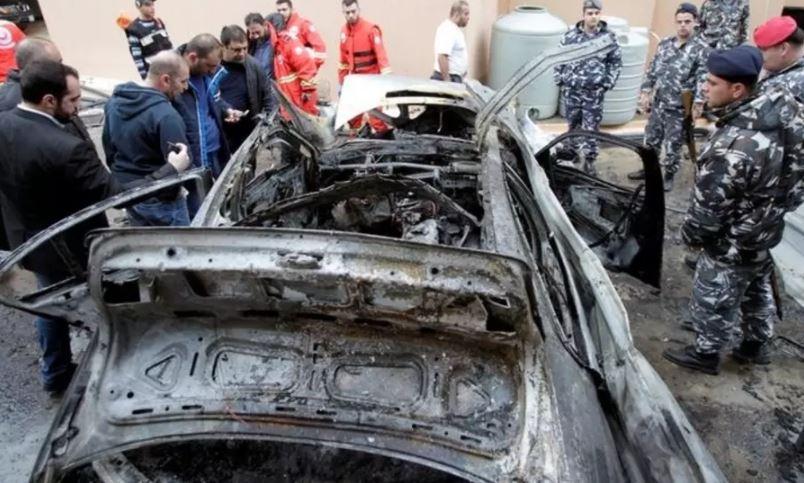 auto quemado bomba