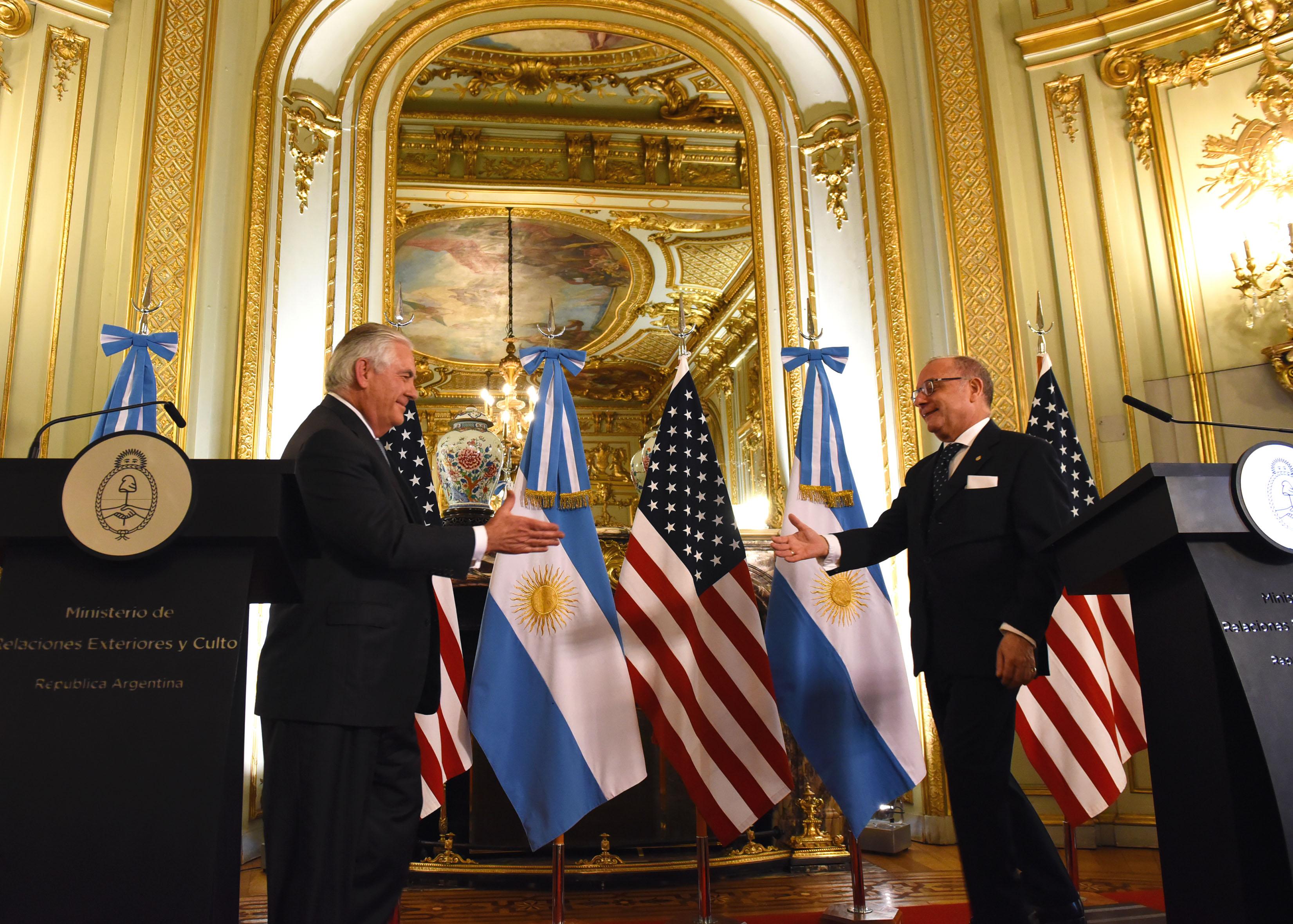 05-02-18 FAURIE RECIBIÓ A SU PAR DE LOS EEUU