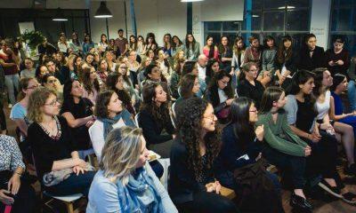 mujeres conferencia
