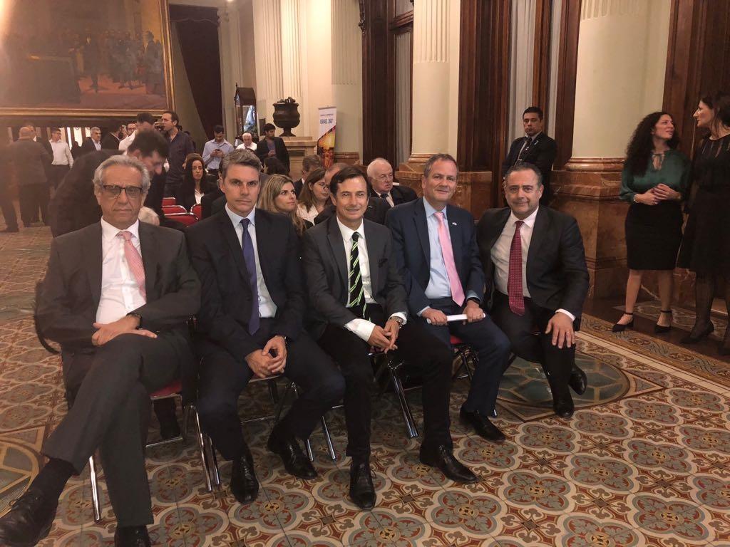 Los diputados Facundo Suárez Lastra, Alejandro Grandinetti y Lipoveztky, junto a Sztulman y Carlos Bernardo Cherniak, de la dirección de Asuntos Parlamentarios de la Cancillería.