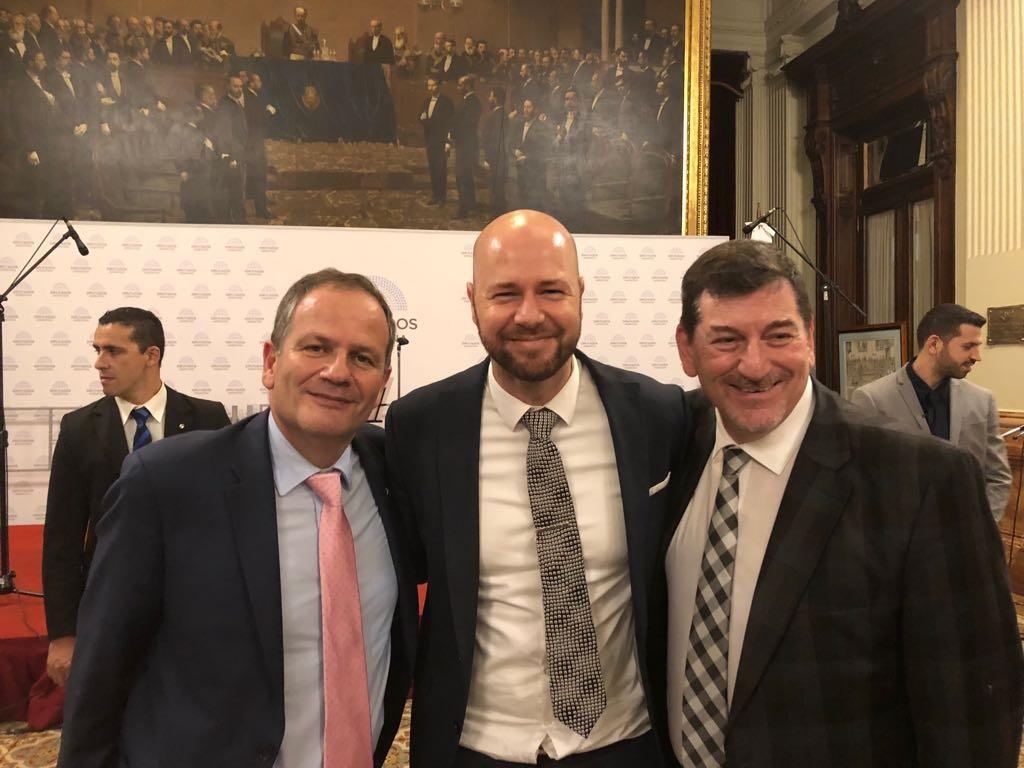 Embajador de Israel en Argentina, Ilan Sztulman; Yossi Zilberman, agregado de Diplomacia Pública de la embajada; y el representante para América Latina del Centro Simón Wiesenthal, Ariel Gelblung.