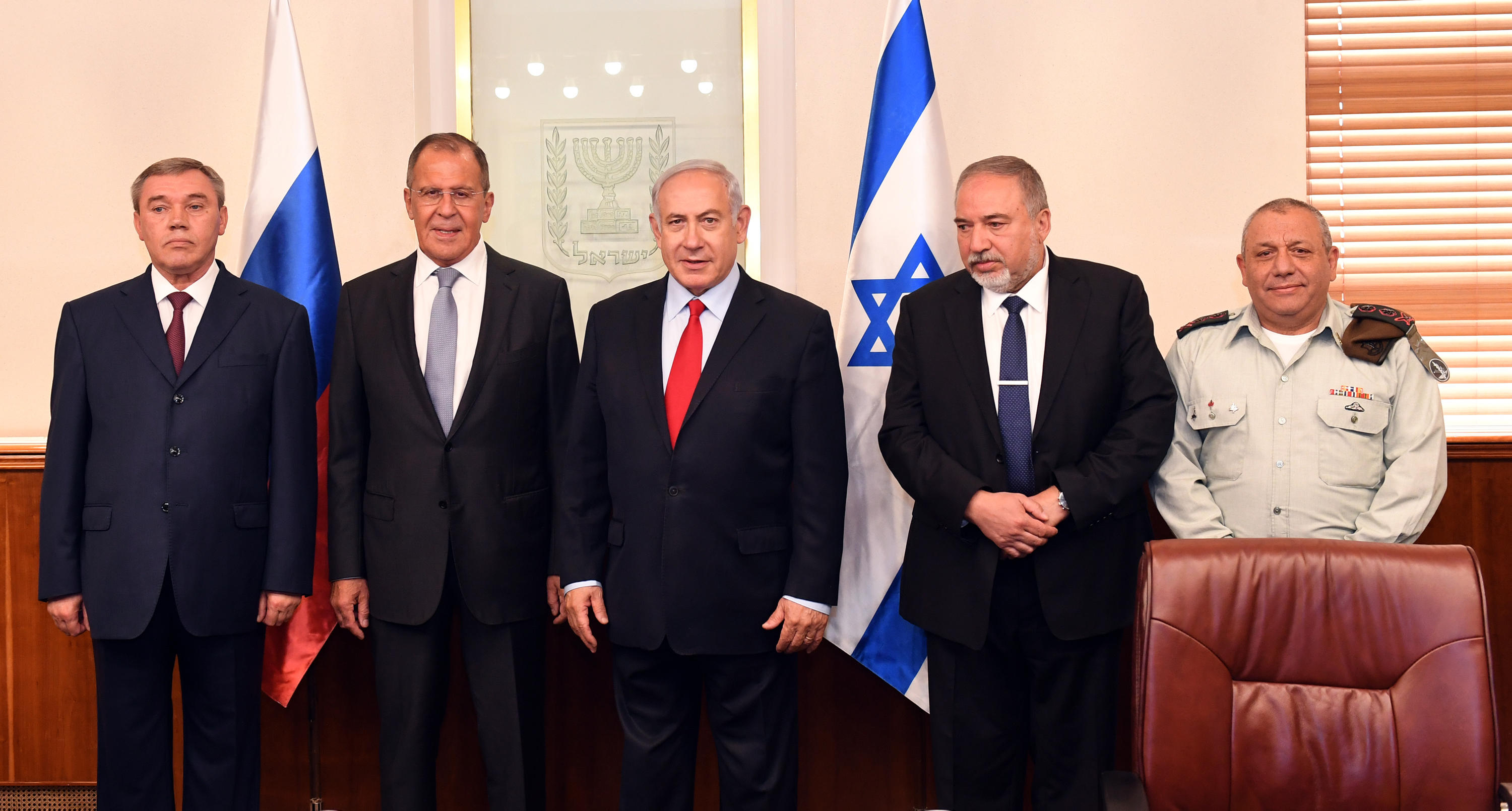 PM Netanyahu meets with senior Russian delegation