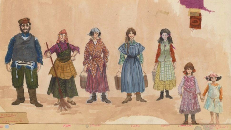 Vestuarios de toda la familia. En la imagen se ven retazos de tela originales de los vestuarios.