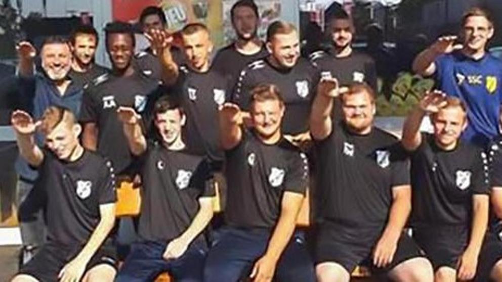nazi saludo futbol
