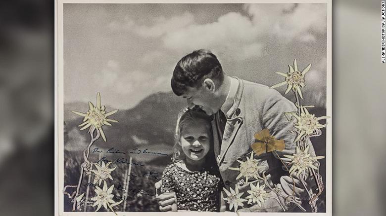 Hitler niña