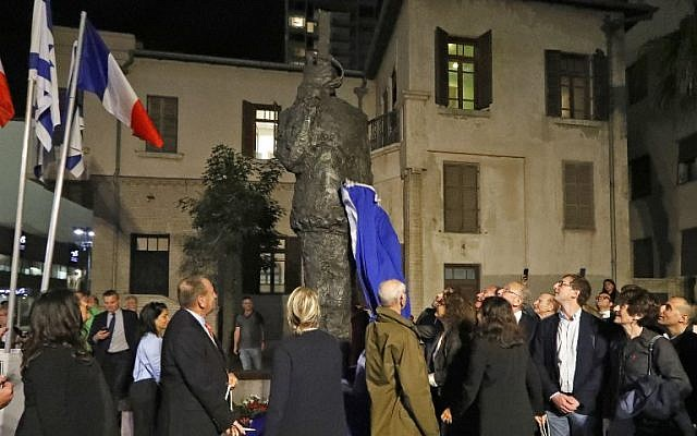 dreyfus estatua