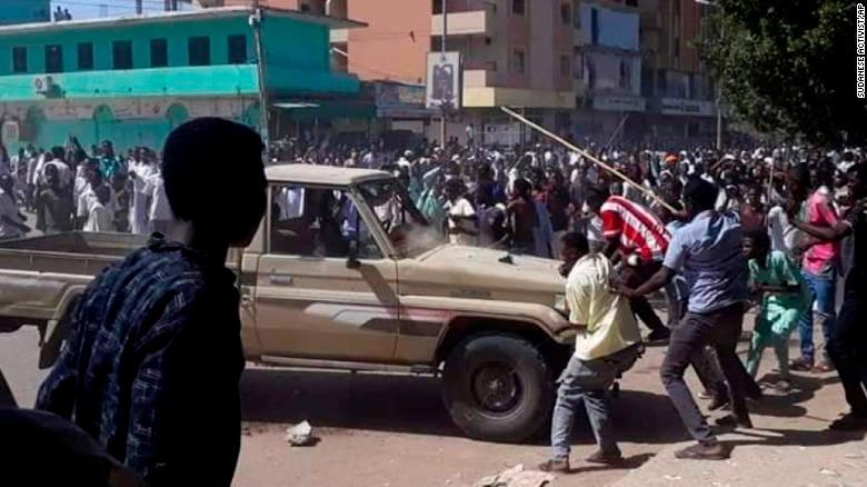181226121701-01-sudan-protests-1226-exlarge-169