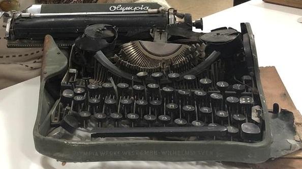 iwo maquina de escribir