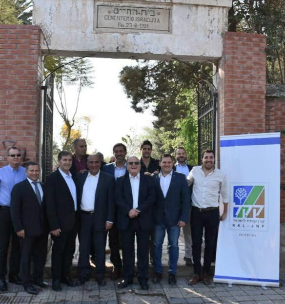 La delegación del KKL en el cementerio israelita de La Rioja