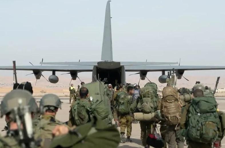 Soldados avión