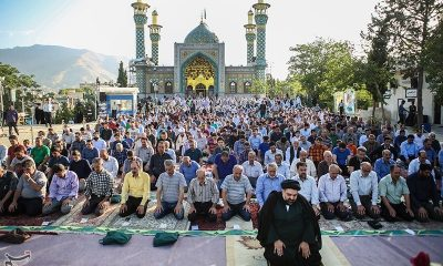 Iranians_holding_Eid_al-Fitr_prayer_in_Lavizan_Imamzadeh_shrine,_Tehran,_Iran