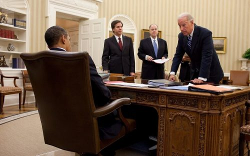 1599px-Tony_Blinken_Tom_Donilon_Joe_Biden_in_2010-1024×640