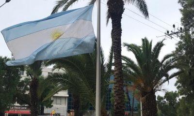 Bandera embajada