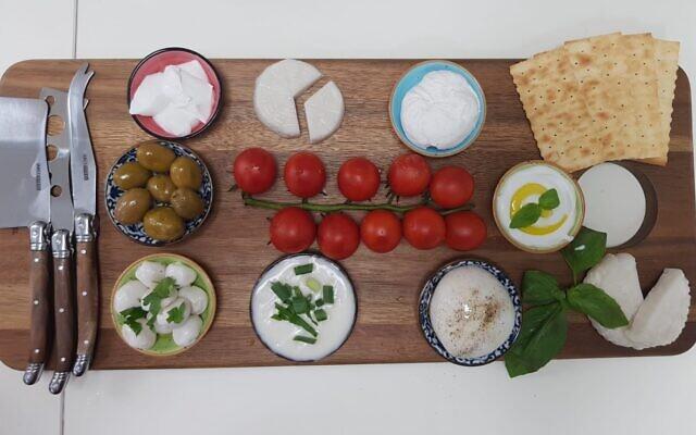Remilk-Cheese-Platter-e1606382977351-640×400
