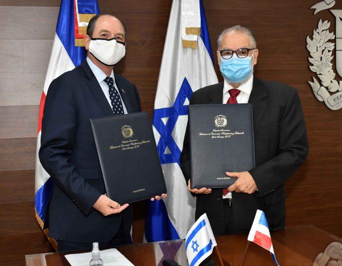 MIGUEL CEARA HATTON – Firma Embajada de Israel (6)