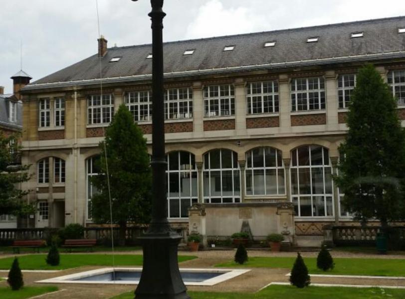 Antisemitismo. Francia: Investigan a profesora por compartir teorías conspirativas con alumnos en Facebook