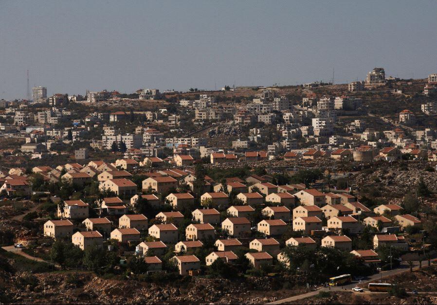 Parlamento israelí aprueba la legalización de unos 4.000 hogares en las comunidades de la Margen Occidental