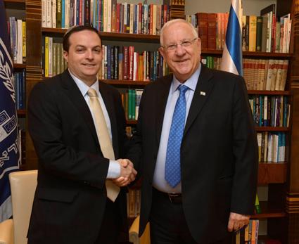 En Israel, DAIA invita al Presidente a visitar Argentina y es optimista sobre su llegada este mismo año