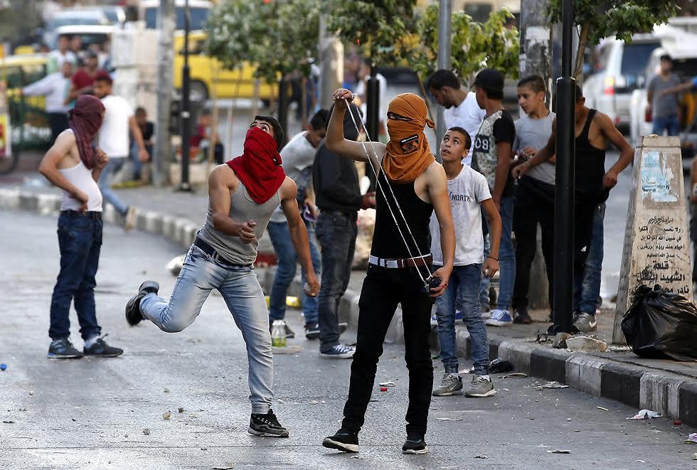 Un palestino de 16 años intentó apuñalar a soldados israelíes