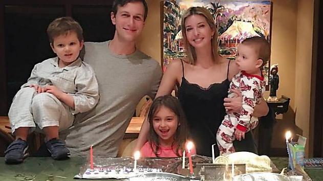 Los nietos de Trump encendieron las velas de Jánuca