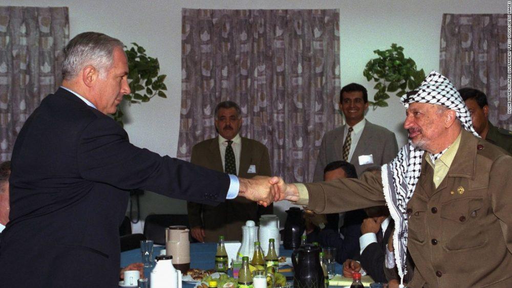 Hoy en la historia judía / Se eliminan las cláusulas palestinas que llaman a la destrucción de Israel