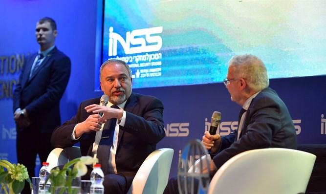 """Ministro de Defensa de Israel: """"Mahmud Abás es un líder ilegítimo, la AP no existe"""""""