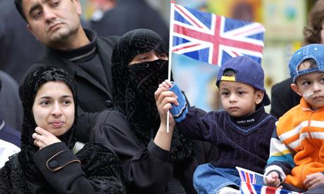 Antisemitismo. Los británicos musulmanes creen que los judíos tienen demasiado poder en su país