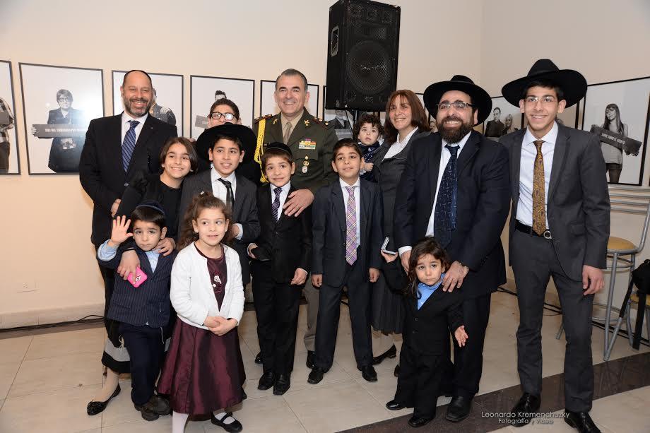 El séptimo hijo del rabino Yosef Coss será apadrinado por Macri