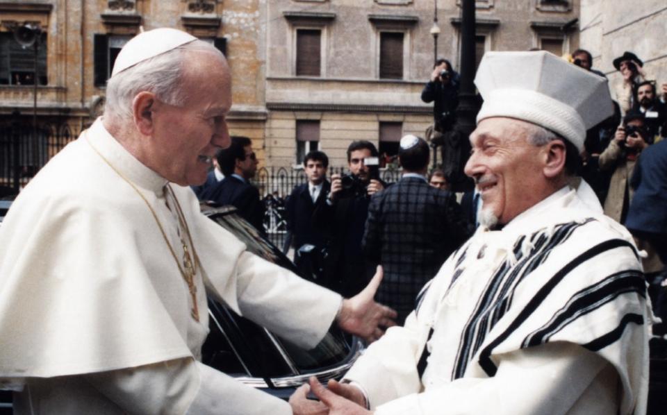 Hoy en la historia judía / Fallece el Gran Rabino de Roma que marcó el acercamiento entre los judíos y el Vaticano